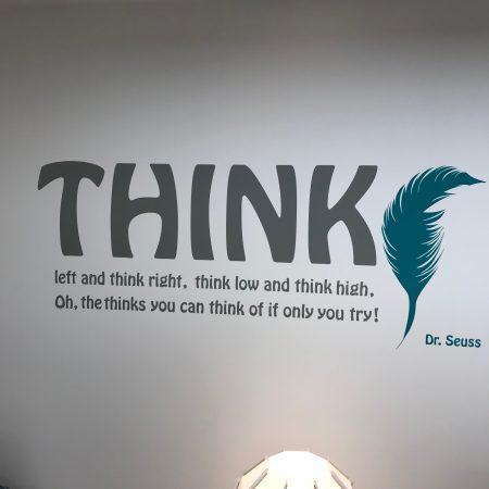 ציטוט על קיר מרכז המידע החדש של מכון ברוקדייל