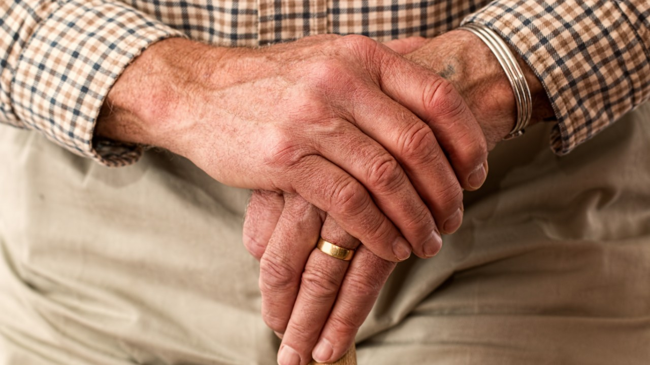 קורונה וזקנים: השפעת מגפת הקורונה על בני 65 ומעלה בישראל